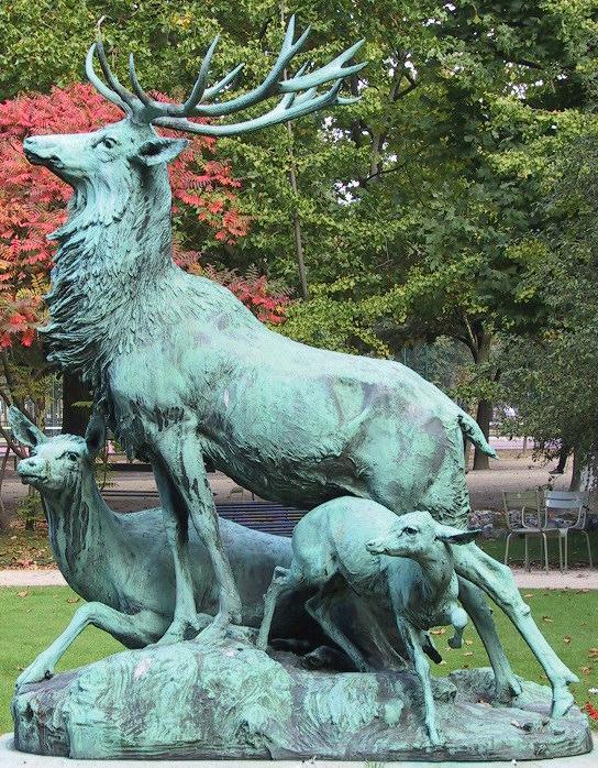 Statue au jardin du Luxembourg à Paris.
